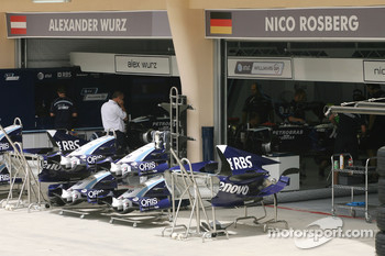 Williams F1 Team, garage