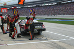 Pitstop for J.J. Yeley