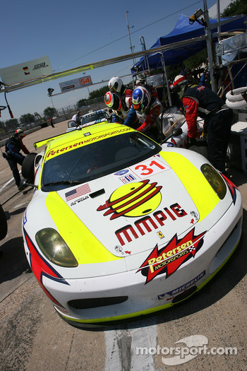 #31 Petersen White Lightning Ferrari 430 GT: Jarek Janis, Dirk Muller, Michael Petersen