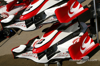 Super Aguri F1 Team, front wings