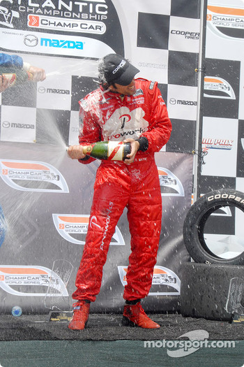 Podium: champagne for Raphael Matos
