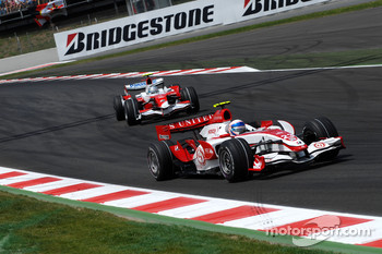Anthony Davidson, Super Aguri F1 Team, SA07, Jarno Trulli, Toyota Racing, TF107