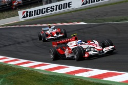 Anthony Davidson, Super Aguri F1 Team, SA07, Jarno Trulli, Toyota Racing, TF107