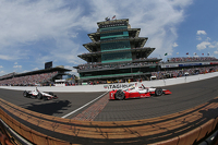 Juan Pablo Montoya, Team Penske Chevrolet wins the Indianapolis 500