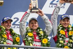 LMP1 podium: class and overall winners Porsche Team: third place Audi Sport Team Joest Audi R18 e-tron quattro: Marcel Fässler, Andre Lotterer, Benoit Tréluyer