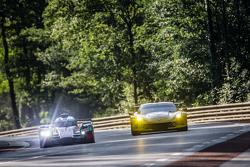 #9 Audi Sport Team Joest Audi R18 e-tron quattro: René Rast, Filipe Albuquerque, Marco Bonanomi, #64 Corvette Racing Corvette C7.R: Jordan Taylor, Oliver Gavin, Tommy Milner