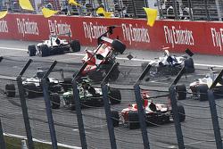 Kevin Ceccon, Arden International and Mitchell Gilbert, Carlin crash