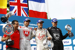 Podium: second place Jérôme d'Ambrosio, Dragon Racing and winner Sam Bird, Virgin Racing and third place Loic Duval, Dragon Racing
