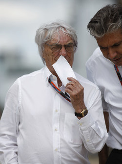 Bernie Ecclestone, with Pasquale Lattuneddu, of the FOM