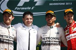 The podium,: Nico Rosberg, Mercedes AMG F1, second; Peter Bonnington, Mercedes AMG F1 Race Engineer; Lewis Hamilton, Mercedes AMG F1, race winner; Sebastian Vettel, Ferrari, third