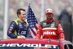 Brett Moffitt, Front Row Motorsports Ford and Michael Annett, HScott Motorsports Chevrolet