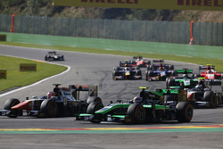 Raffaele Marciello, Trident leads Richie Stanaway, Status Grand Prix