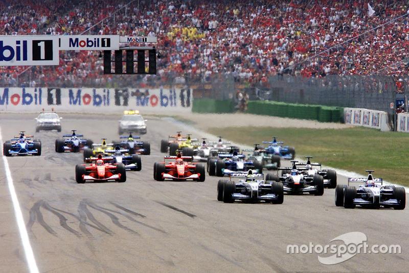 Start: Juan Pablo Montoya vor Ralf Schumacher