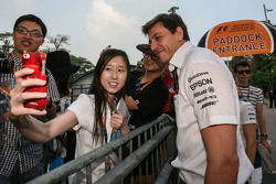 Toto Wolff, Mercedes AMG F1 Shareholder and Executive Director with the fans