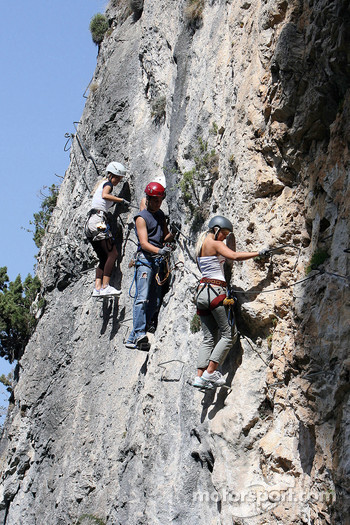 Formula Unas girls in a mountain climbing expedition: Katja Semenova and Rebecca Blomgren