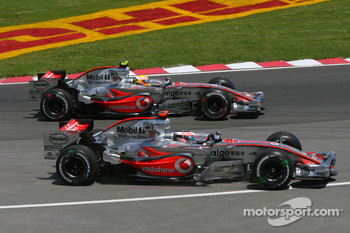 Start, Lewis Hamilton, McLaren Mercedes, MP4-22 and, Fernando Alonso, McLaren Mercedes, MP4-22