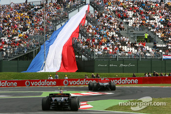Mark Webber, Red Bull Racing, RB3, Lewis Hamilton, McLaren Mercedes, MP4-22
