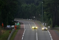 #009 Aston Martin Racing Aston Martin DBR9: David Brabham, Rickard Rydell, Darren Turner, #006 Aston Martin Racing Larbre Aston Martin DBR9: Gregor Fisken, Patrick Bornhauser, Roland Berville