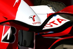 Toyota Racing, TF107, front wing detail