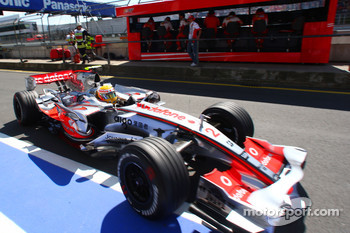 Lewis Hamilton, McLaren Mercedes, MP4-22 as Michael Schumacher, Scuderia Ferrari, Advisor watches