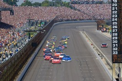 Start: Reed Sorenson leads the field