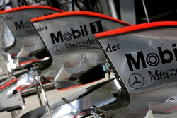 McLaren Mercedes, MP4-22 engine covers