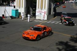 #58 BSI Racing Mazda MX-5: Justin Hall, Magnus Karlsson misses the corner