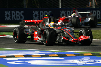 Lewis Hamilton, McLaren Mercedes, MP4-22, Ralf Schumacher, Toyota Racing, TF107