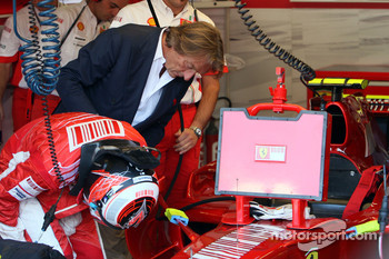 Luca di Montezemolo, Scuderia Ferrari, FIAT Chairman and President of Ferrari arrives at the garage and say hello to Kimi Raikkonen, Scuderia Ferrari