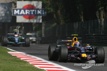 Mark Webber, Red Bull Racing, RB3 and Rubens Barrichello, Honda Racing F1 Team, RA107