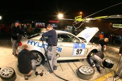 Pitstop for #97 Team DMV e.V. Hyundai Coupe V6: Jürgen Schumann, Peter Schumann, Christian Hohenadel