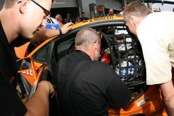 Stephan Rösler and Lambo-Racing team members