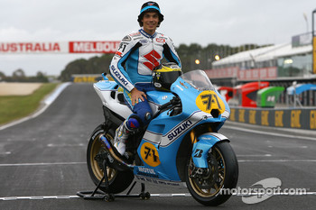 Suzuki retro livery presentation: Chris Vermeulen