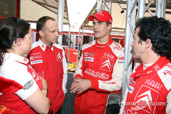 Daniel Sordo with Citroen Total WRT team members