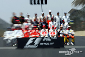 The end of season group photo: Lewis Hamilton, McLaren Mercedes