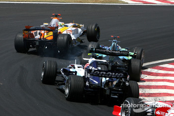 Giancarlo Fisichella, Renault F1 Team, R27, Jenson Button, Honda Racing F1 Team, RA107 and Kazuki Nakajima, Williams F1 Team, FW29