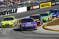 Jamie McMurray leads a pack of cars