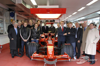 Maranello: 2007 World Champion Kimi Raikkonen pose with Felipe Massa, Luca Badoer, Luca di Montezemelo and Ferrari guests