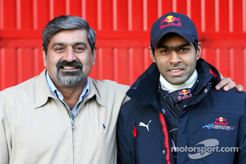 Karun Chandhok, Test Driver, Red Bull Racing, with his father Vicky Chandhok