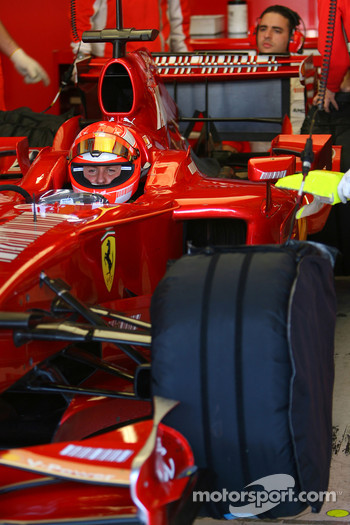 Slick tyres for Michael Schumacher, Test Driver, Scuderia Ferrari
