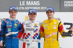 Podium: race winner Oliver Rowland, Fortec Motorsports, second place Egor Orudzhev, Arden Motorsport, third place Tom Dillmann, Carlin