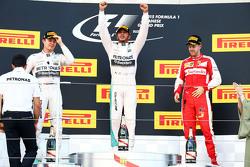 领奖台:冠军刘易斯·汉密尔顿,亚军尼科·罗斯伯格,季军塞巴斯蒂安·维特尔
