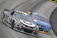 Kyle Larson, Chip Ganassi Racing Chevrolet and Dale Earnhardt Jr., Hendrick Motorsports Chevrolet