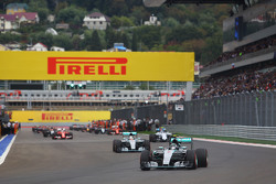 Nico Rosberg, Mercedes AMG F1 W06 on the formation lap