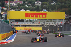 Daniel Ricciardo, Red Bull Racing RB11 on the formation lap