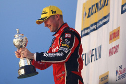 Gordon Shedden, Honda Yuasa Racing Honda Civic Type R celebrating winning the 2015 British Touring Car Championship