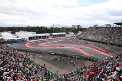 Lewis Hamilton, Mercedes AMG F1 W06 leads Valtteri Bottas, Williams FW37
