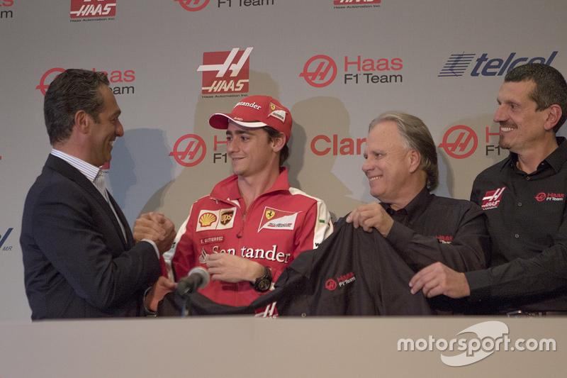 Carlos Slim, Presidente de América Móvil, Esteban Gutiérrez Haas Team, Gene Haas Dueño del Equipo y Guenther Steiner Director el equipo