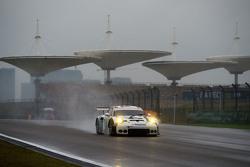 #96 Aston Martin Racing Aston Martin Vantage GTE: Francesco Castellacci, Stuart Hall, Liam Griffin