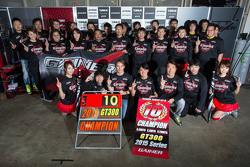 2015 GT300 Champion Andre Couto, Katsumasa Chiyo, Ryuichiro Tomita, Gainier Tanax